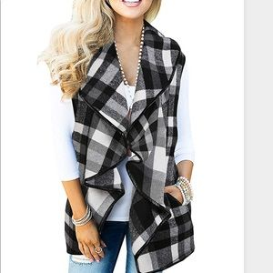 Sweaters - Plaid vest